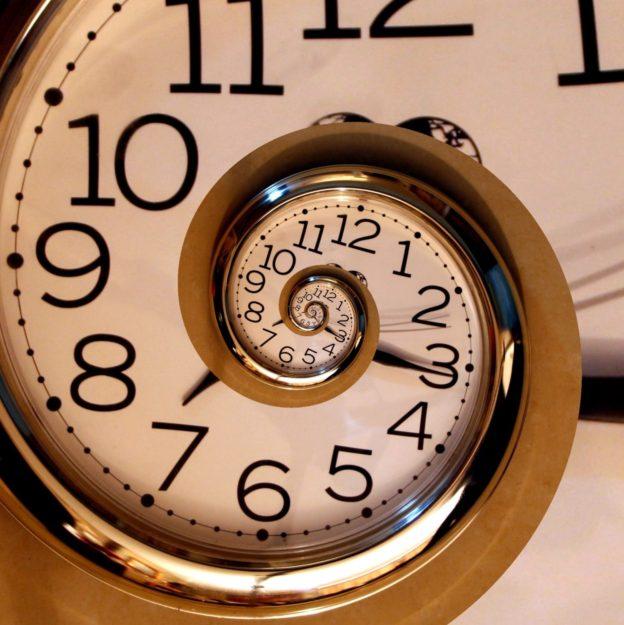 Сумасшедшие часы